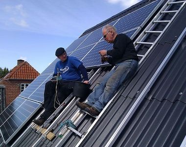 Putting-up-solar-cells